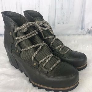 Sorel Sandy Hidden Wedge Green Leather Ankle Boots